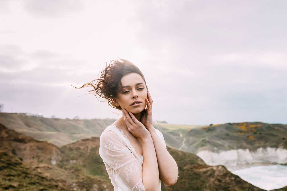 Wild and Natural Bronte-esque bridal inspiration
