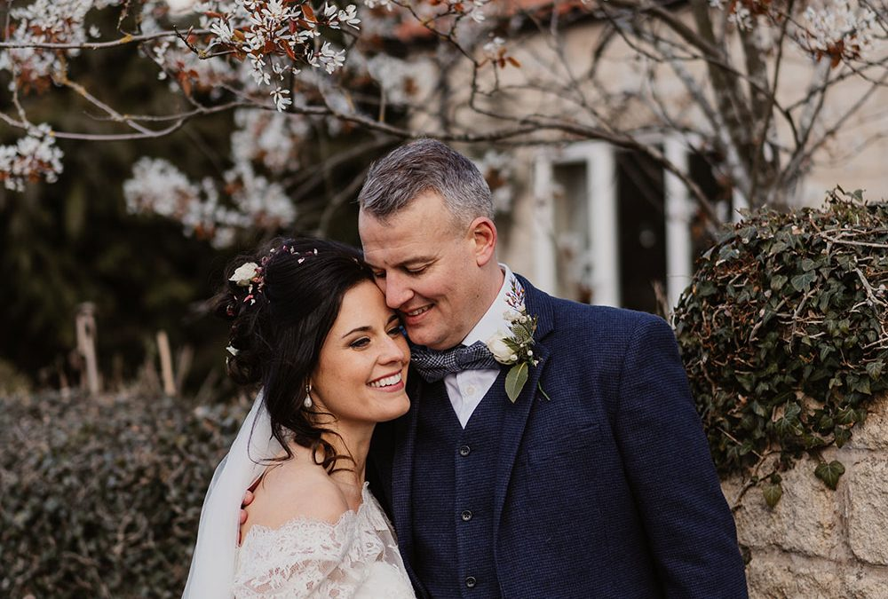 A beautiful and intimate garden wedding planned in 8 weeks